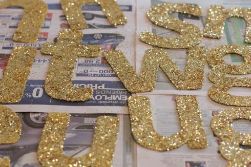 DIY glitter banner5